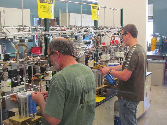 Two men working in the UW stable isotope facility